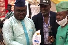 Alimosho-Man-of-the-Year-Award-conferred-on-Ambassador-Oti-Jonathan